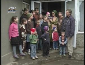Un exemplu de familie cu 15 copii, jelita de televiziuni
